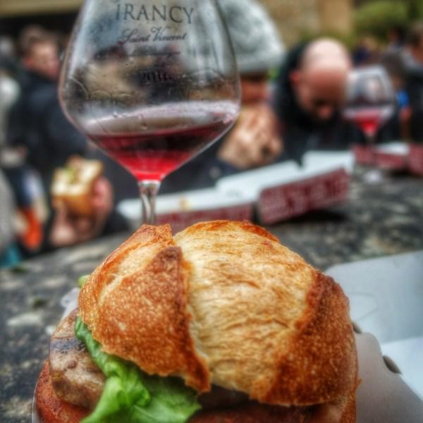 Burger foie gras et Irancy 2011