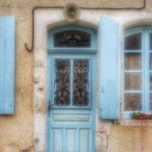 façade bleue Irancy