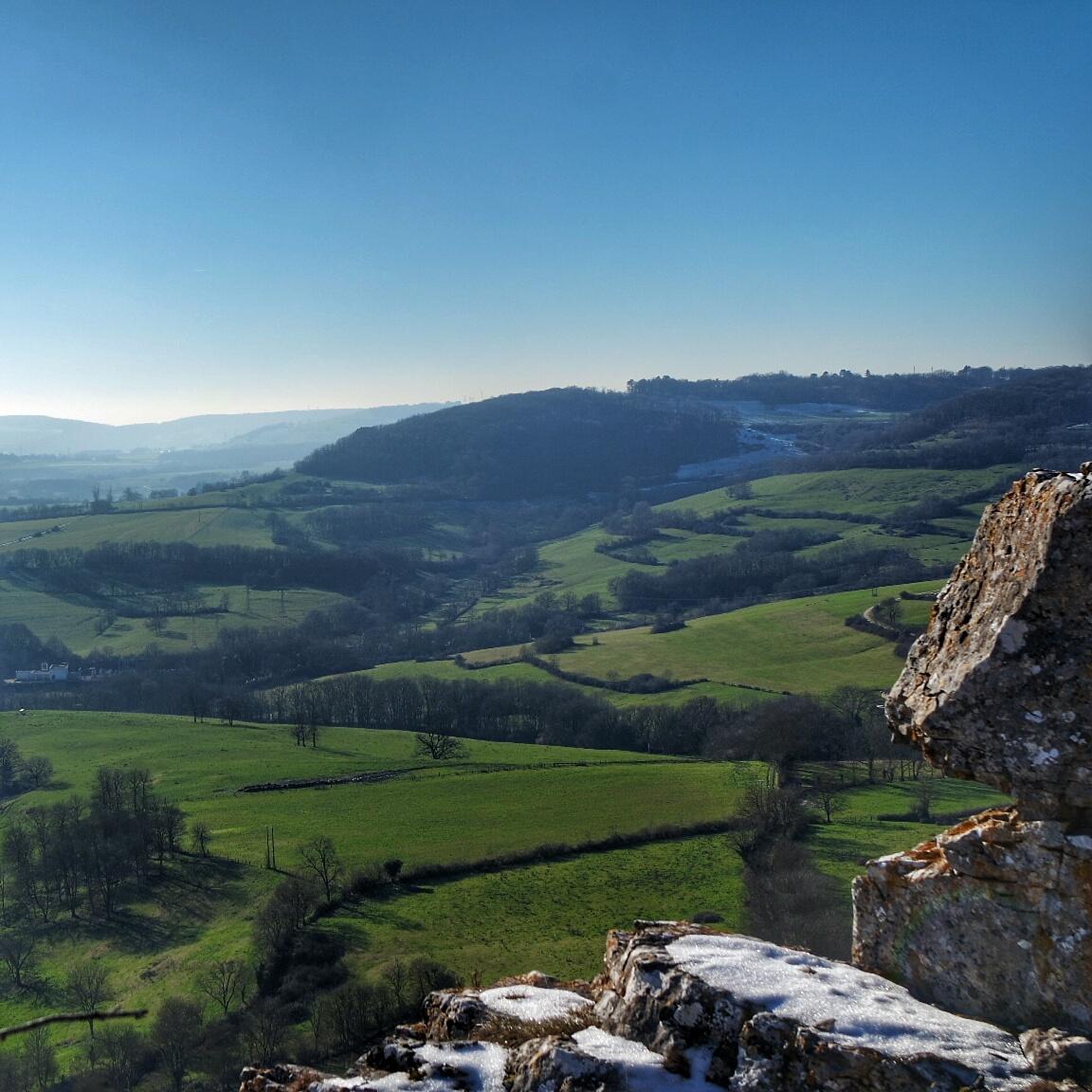 A perte de vue depuis la falaise de Baulme la Roche janvier