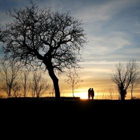 couple au soleil couchant Talant