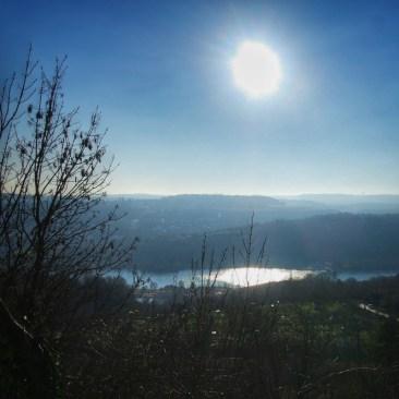 Vue sur le Lac Kir depuis le Vieux Talant