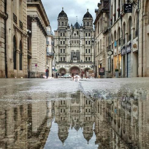 Découvvrir Dijon autrement, Puddle Eglise St Michel, Dijon