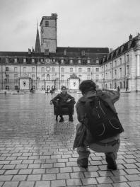 Le Fauteuil-Graphe de QuenT Photography, Place de la Libération à Dijon