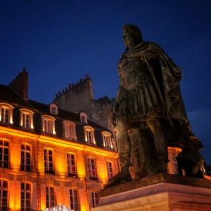 statue Louis XIV Place St Sauveur Caen