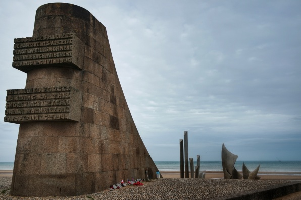 Saint Laurent sur Mer, Omaha beach, mémorial, sculpture Les Braves Anilore Banon