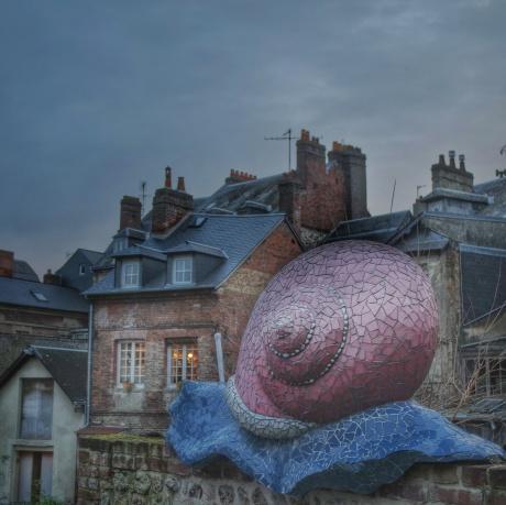 Parcours Au fil de l'eau, escargot recouvert de mosaïque Annick Leroy Honfleur