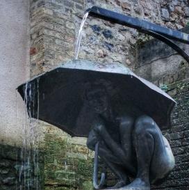 Parcours Au fil de l'eau, l'enfant au parapluie d'Annick Leroy, Honfleur