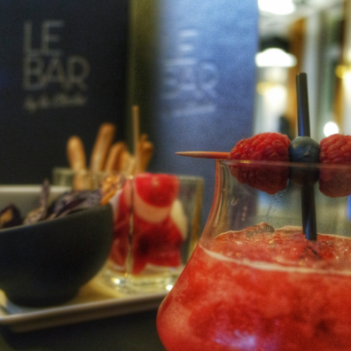 Burgundy seeds Bar by La Cloche Dijon