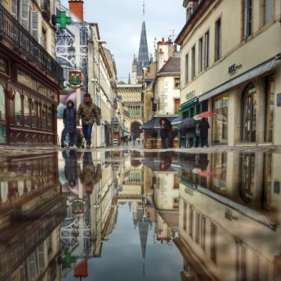 Puddle rue Musette, Dijon, Bourgogne