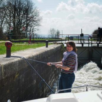 bateau sans permis, ecluse sur le Canal de Bourgogne