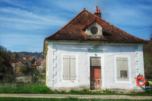 écluse 61 Auxois Canal de Bourgogne