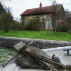 écluse Auxois Canal de Bourgogne Bateau sans permis