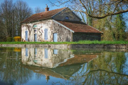 reflet écluse Pouillenay - Venarey les Laumes Auxois Canal de Bourgogne