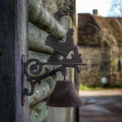 détail, dans les rues de Pouillenay