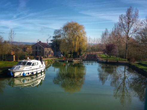 Halte Pouillenay, lors d'une croisière sur le Canal de Bourgogne