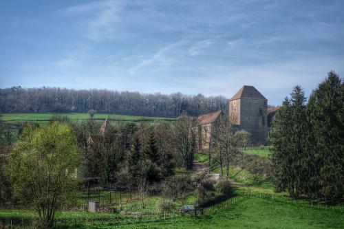 Maison forte Auxois Canal de Bourgogne