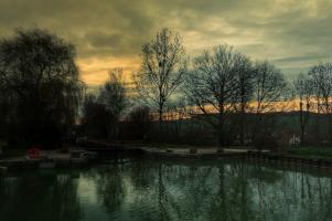 nuit tombante à Pouillenay, Canal de Bourgogne