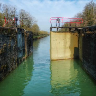 portes ecluse canal de Bourgogne