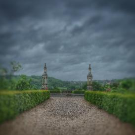 Allée jardin château de Bussy Rabutin Bourgogne