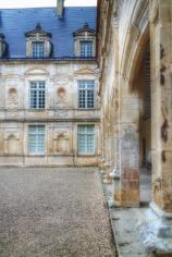 cour château de Bussy Rabutin Bourgogne