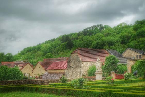 Dans le jardin du château de Bussy-Rabutin Bourgogne