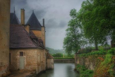 douves château de Bussy-Rabutin