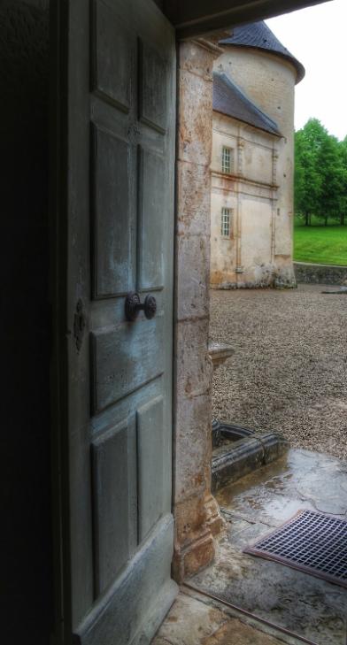 porte entrée Château Bussy-Rabutin Bouurgogne