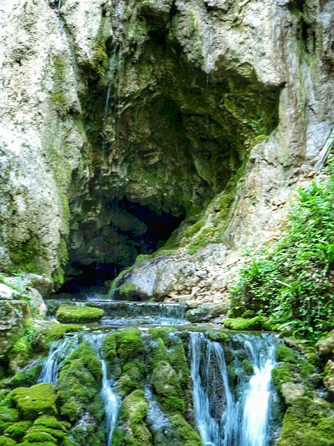 Grotte du Bel Affreux, Antheuil, Vallée de l'Ouche, Bourgogne
