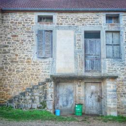 Habitat typique des Hautes Côtes, Antheuil, Vallée de l'Ouche, Bourgogne, France