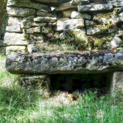banc de pierre à Antheuil, Vallée de l'Ouche, Bourgogne