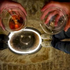 prendre un verre dans la chambre du vigneron, La Maison,, Vougeot, Bourgogne, France