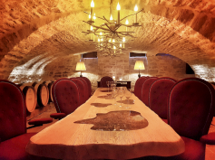 La cave aux étoiles, La Maison, Vougeot, Bourgogne, France