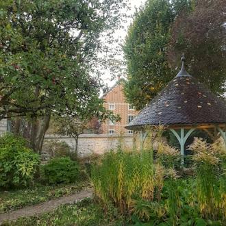 jardin Cuverie Les Ursulines JC Boisset Nuits-saint-Georges, Bourgogne